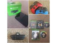 Xbox One, 2 Controllers and Games