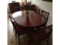 Extendable Table with 6 Chairs.