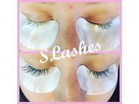 **SLashes individual eyelash extensions £20**