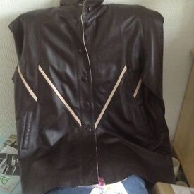 2 Ladies leather jackets. Size 16/18. Rarely worn.