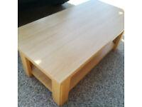 Oak wood coffee table