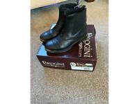 Brogini black jodhpur boots. Size Eur 32/uk 13