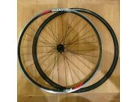 Giant S-R2 rear road wheel and tyre - size 700c
