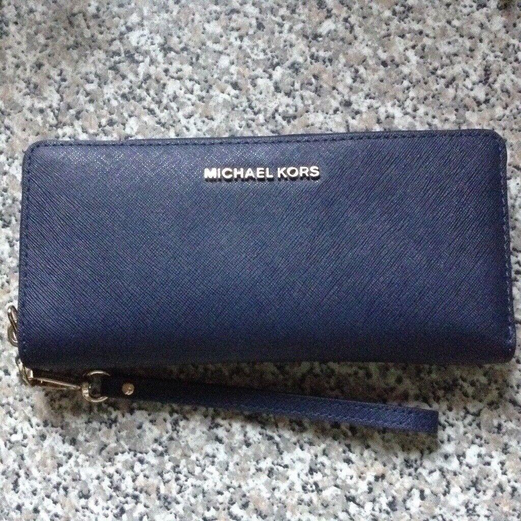 56dd2a695f1b Michael kors purse black