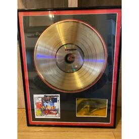 Signed stereophonics gold disc