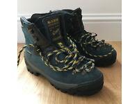 Womens sportiva goretex walking boots