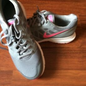 Ladies Nike trainers size 8