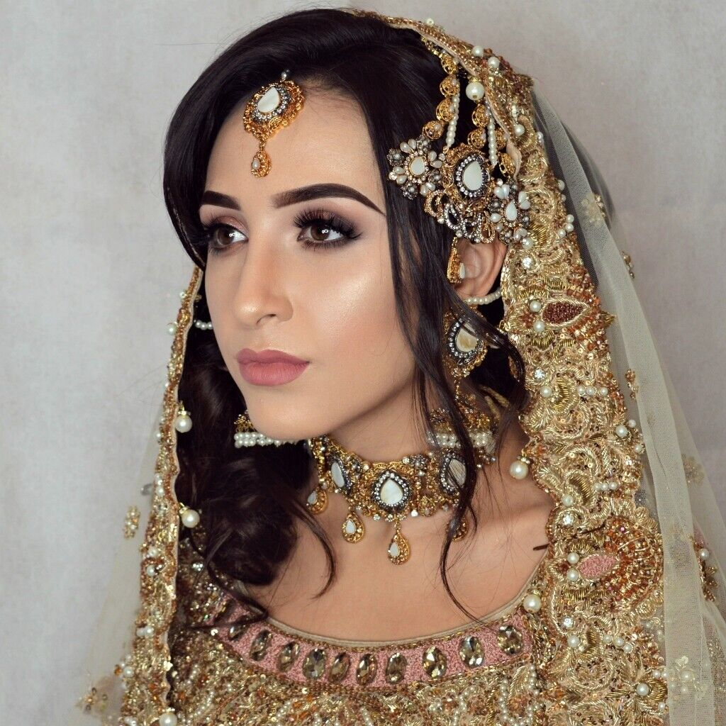 Qualified Hair And Makeup Artist Bridal Party Prom
