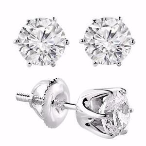 WHITE GOLD DIAMOND EARINGS 1.00 CTW / BOUCLES D'OREILLES EN DIAMANTS DE 1.00 CARAT SUR OR 14K