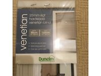 Venetian blinds brand new just damaged packaging