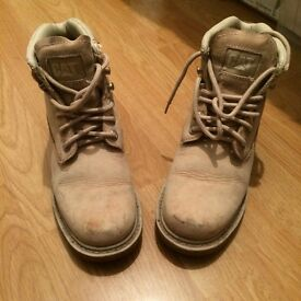 Car boots woman's size 5