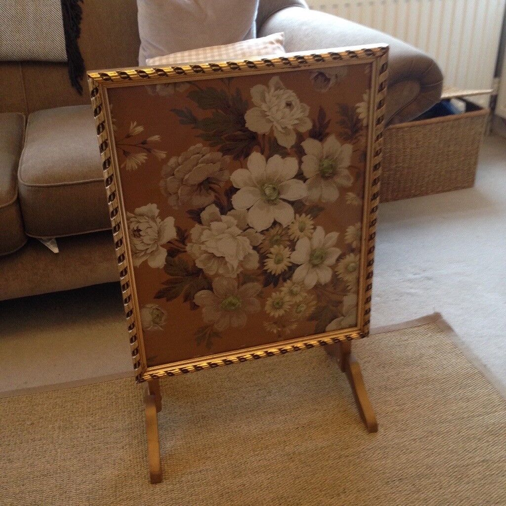 Vintage firescreen/table in gold