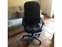 Professional Quality Office Chair With Rotary Seat & Adjustable Height