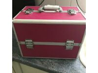 Professional Large Make up Case, As new, has been in Storage comes with 2 keys