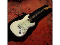 2016 Fender MIJ Classic 60s Stratocaster (Vintage White) made in Japan