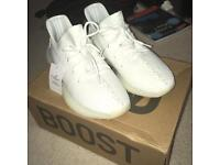 New White Yeezy 350 Boost V2 with box size 7.5
