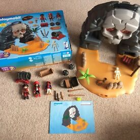 Playmobil Take Along Pirate Island set 5804. Condition as new.