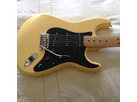 ROADHOUSE DELUXE STRATOCASTER