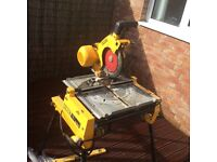 DEWALT - dw743 - Table Saw in good condition fully working - looking for quick sale