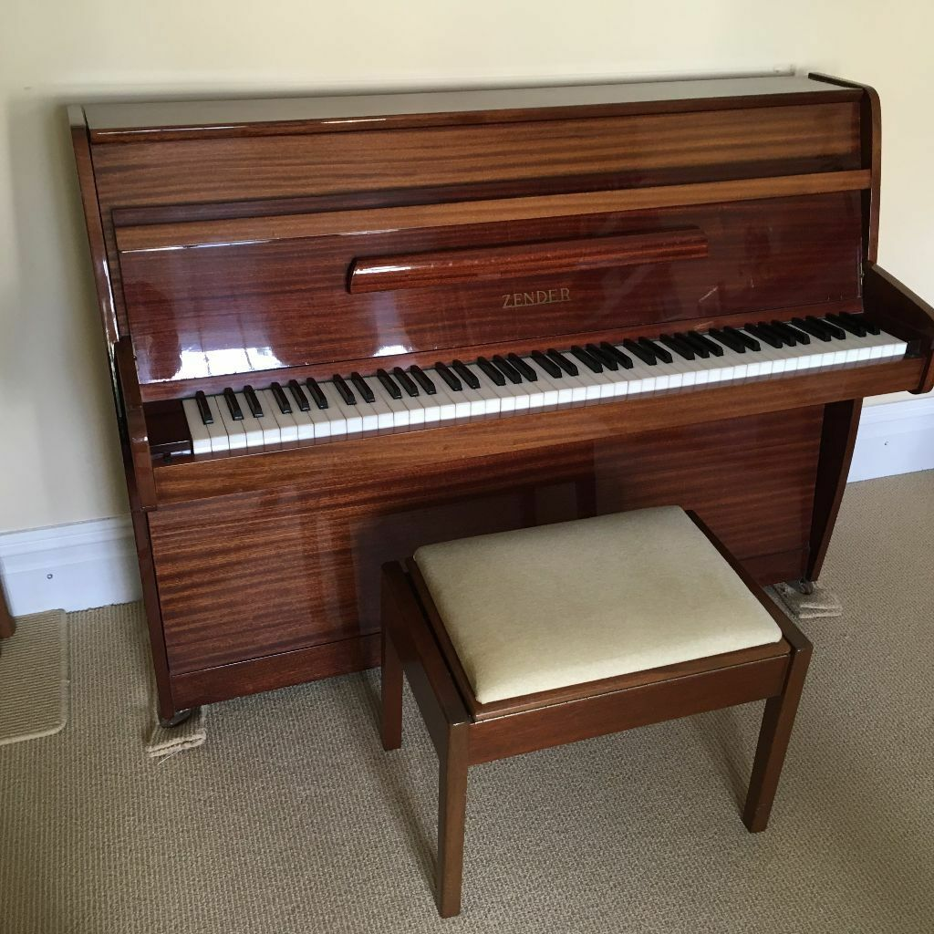 Lovely zender upright piano small 7 octave and small for Smallest piano size
