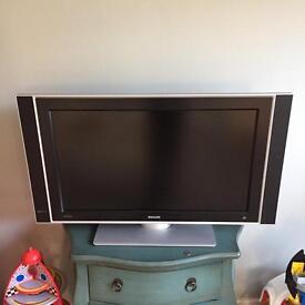 """Philips 32"""" TV"""