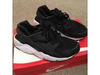 Nike air huaraches size 5