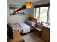 Lovely double room in St Albans, just 15min walk from City!local shops,ample parking!