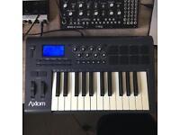 M-Audio Axiom 25-Key MIDI Keyboard Controller