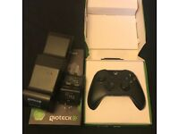 Xbox One Wireless Controller and Gioteck Docking Station Bundle