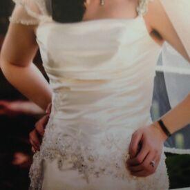 Enzoani Denise Wedding Dress size 16 (fits 12/14).