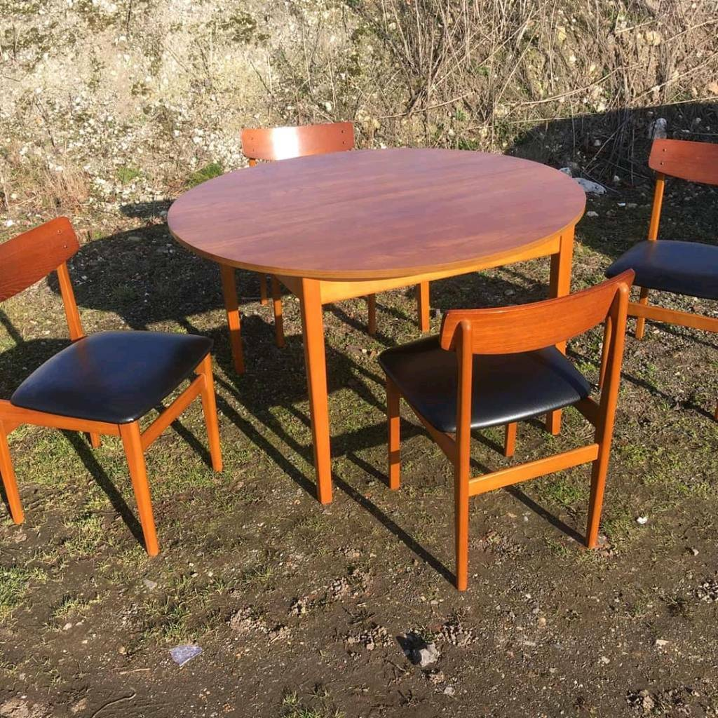 Amazing 1970S Dining Table And Chairs In Hessle East Yorkshire Gumtree Cjindustries Chair Design For Home Cjindustriesco