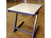 100 school exam desks