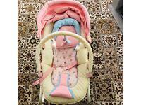 Baby girl bouncy chair