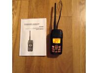 Floating vhf fm marine transceiver