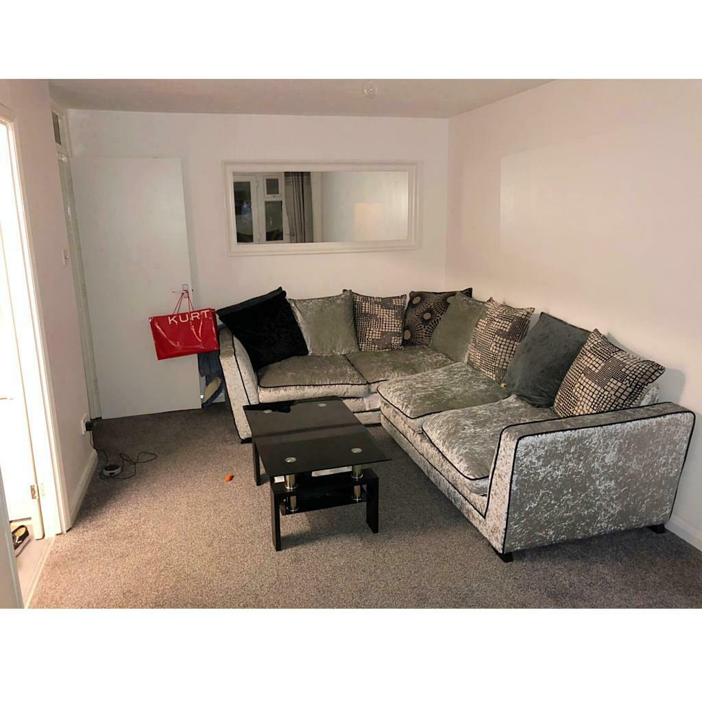 Large One Bedroom Flat With Balcony Near Welling (for