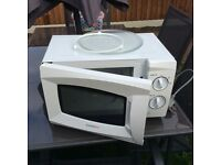 A very clean good working microwave! Bargain!