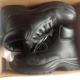 Arco women's safety boots - size 6