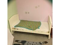 Toddler bed white wood, used FREE TO COLLECTOR