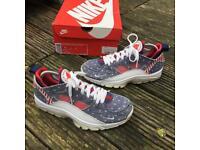 Nike air huaraches USA denim trainers size 6