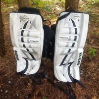 Youth Vaughan goalie pads