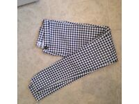 Ladies skinny jeans fit size 8-10