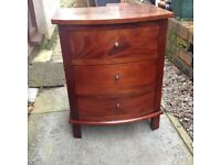 Mahogany Bow Front 3 Drawer Chest/Bedside Cabinet