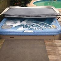 Coleman hot tub with lounge