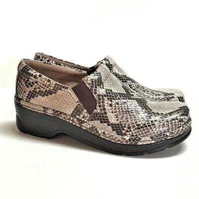 NEW Klogs Naples Women 9.5 Closed Back Clogs Gray Natural Snake Print Leather