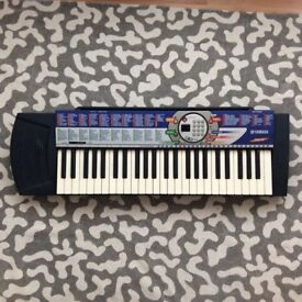 Yamaha PSR74 Electric Keyboard