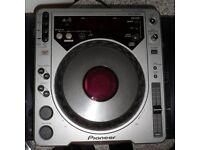FOR SALE - Pair of Pioneer CDJ-800's & MIDI CD's. DVS Controllers for Pioneer Rekordbox DJ Software.
