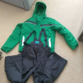 Ski jacket green and ski pants dark grey mountain warehouse age 13 but better for age 11 approx