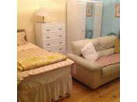 Very Large room available for rent £110 p/w in charminester