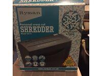 Paper shredder (Ryman) hardly used