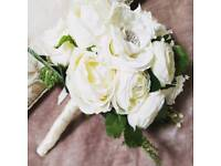 Beautiful bridal brooch bouquet